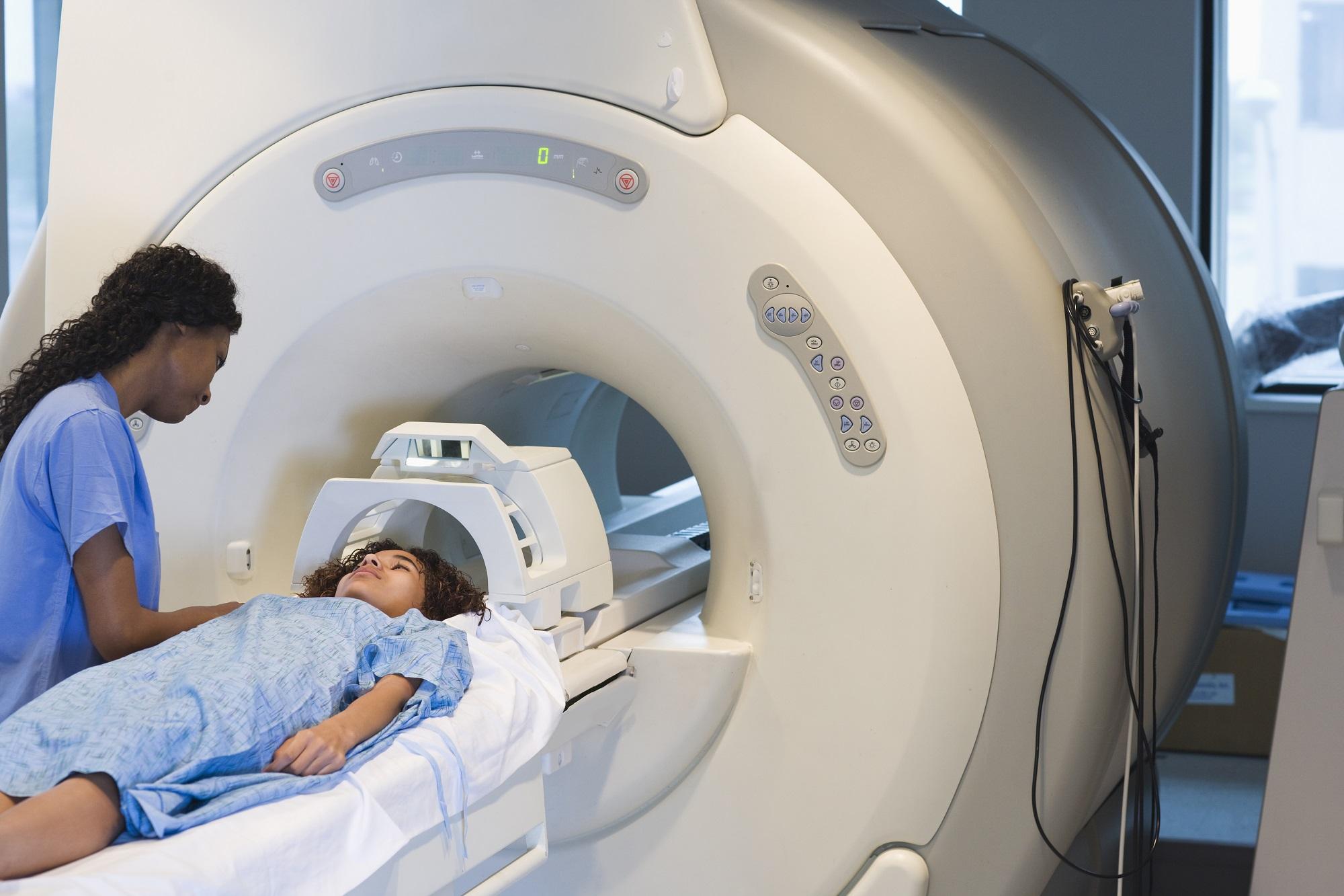 Dating subdural hematom MRI