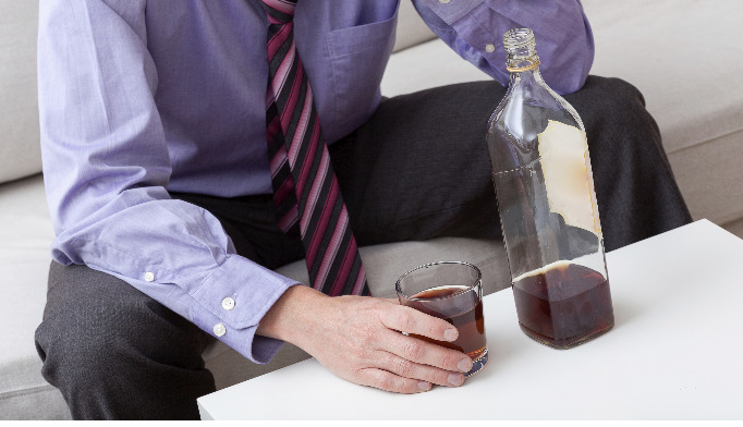 Nearly 3 in 10 Americans diagnosed with alcohol use disorder